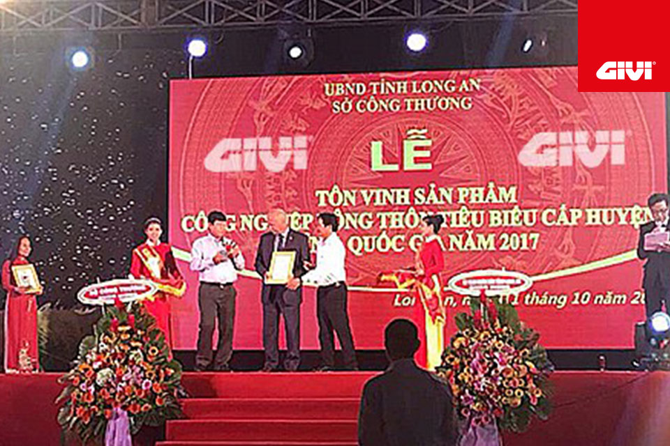 GIVI+is+delighted+to+have+won+a+prestigious+new+award%21