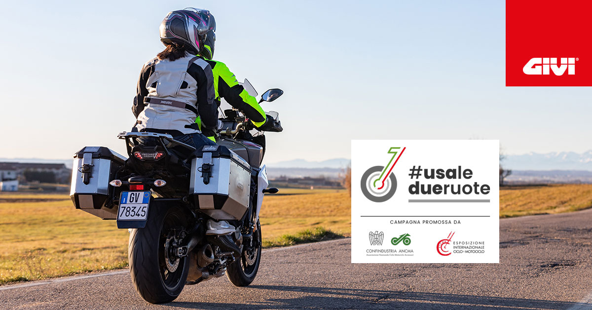 GIVI+is+taking+part+in+the+%23usaledueruote+%28%23usetwowheels%29+campaign+launched+by+ANMCA+and+EICMA+to+encourage+the+use+of+motorcycles.